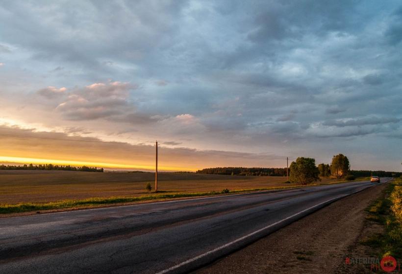 закат на трассе
